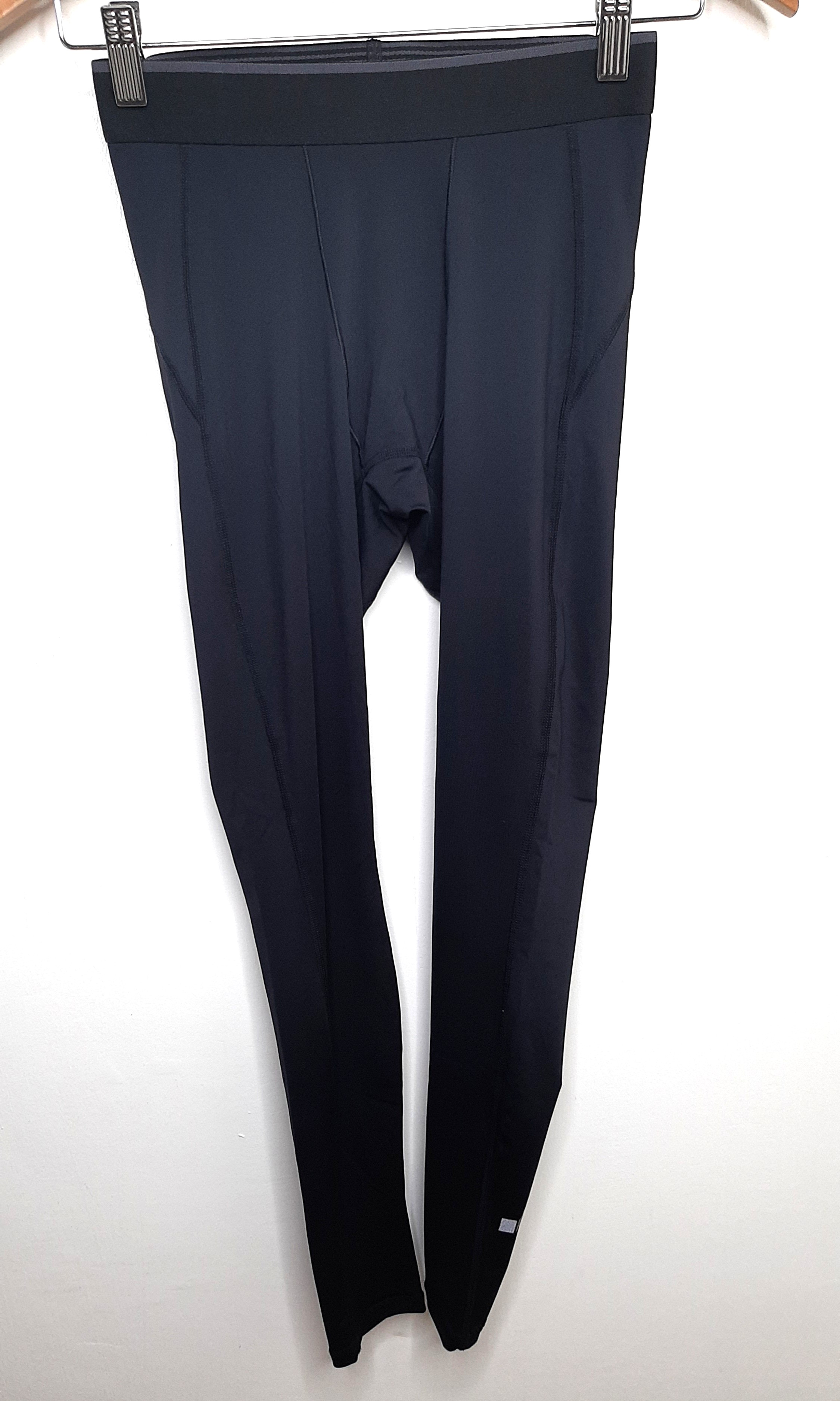 Uniqlo Airism Heattech Leggings Sports Athletic Sports Clothing On Carousell