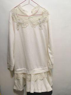 微美蕾絲米白洋裝
