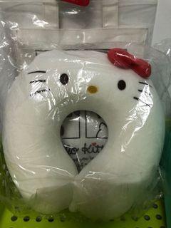 日本帶回正版kitty頸枕