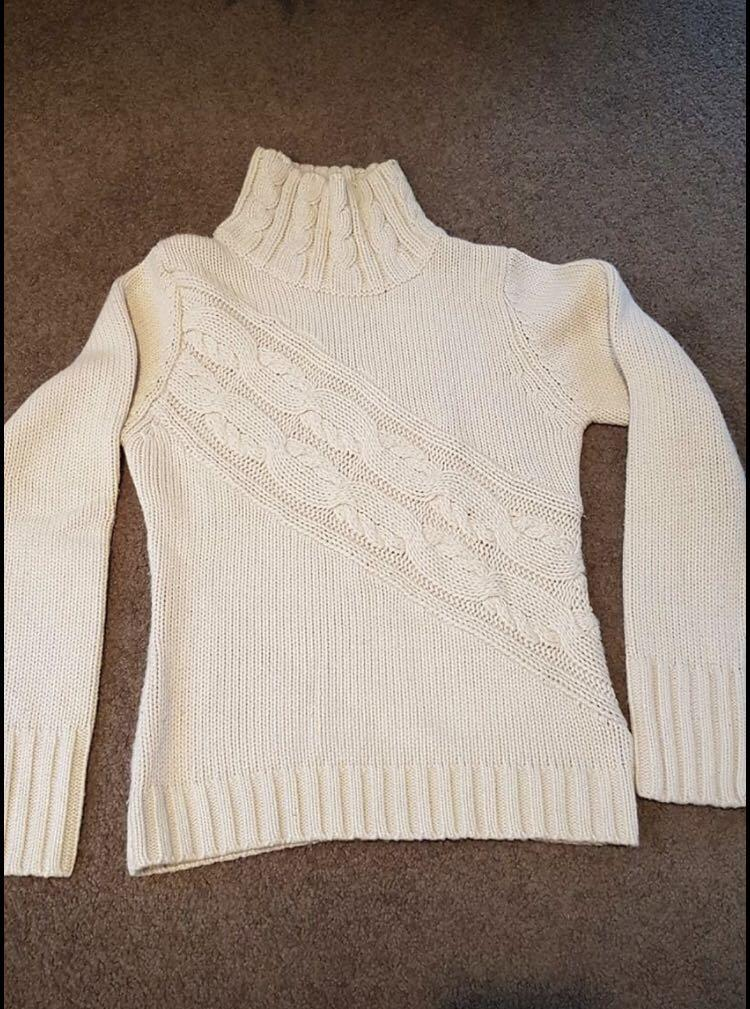 Knitted turtleneck (white)