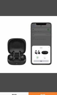 B10 with wireless charging case