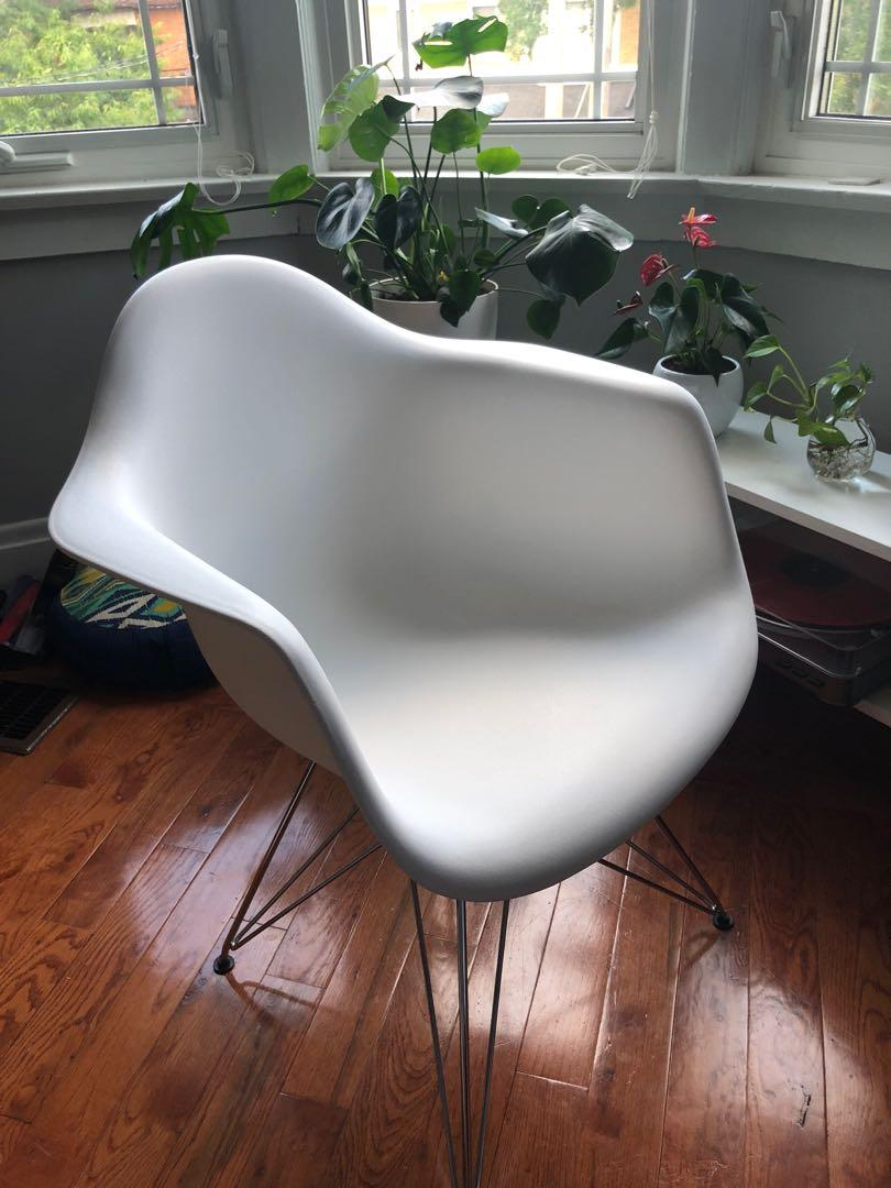 Eiffle Chair from Structube