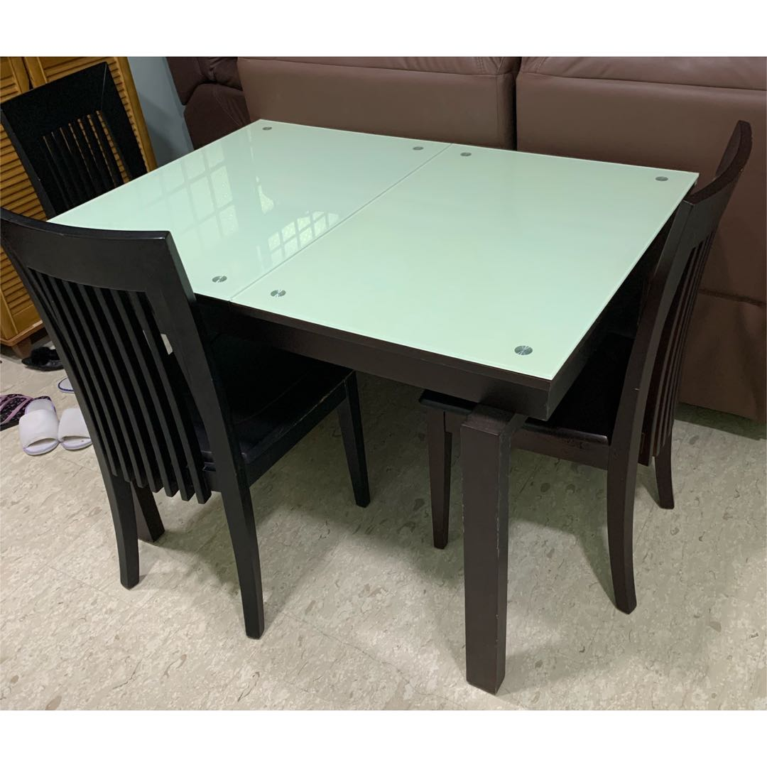 Picture of: Extendable Glass Dining Table With Chairs Furniture Tables Chairs On Carousell