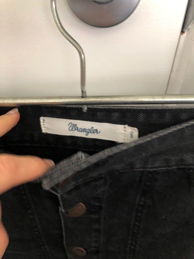 Black Wrangler denim skirt size 8