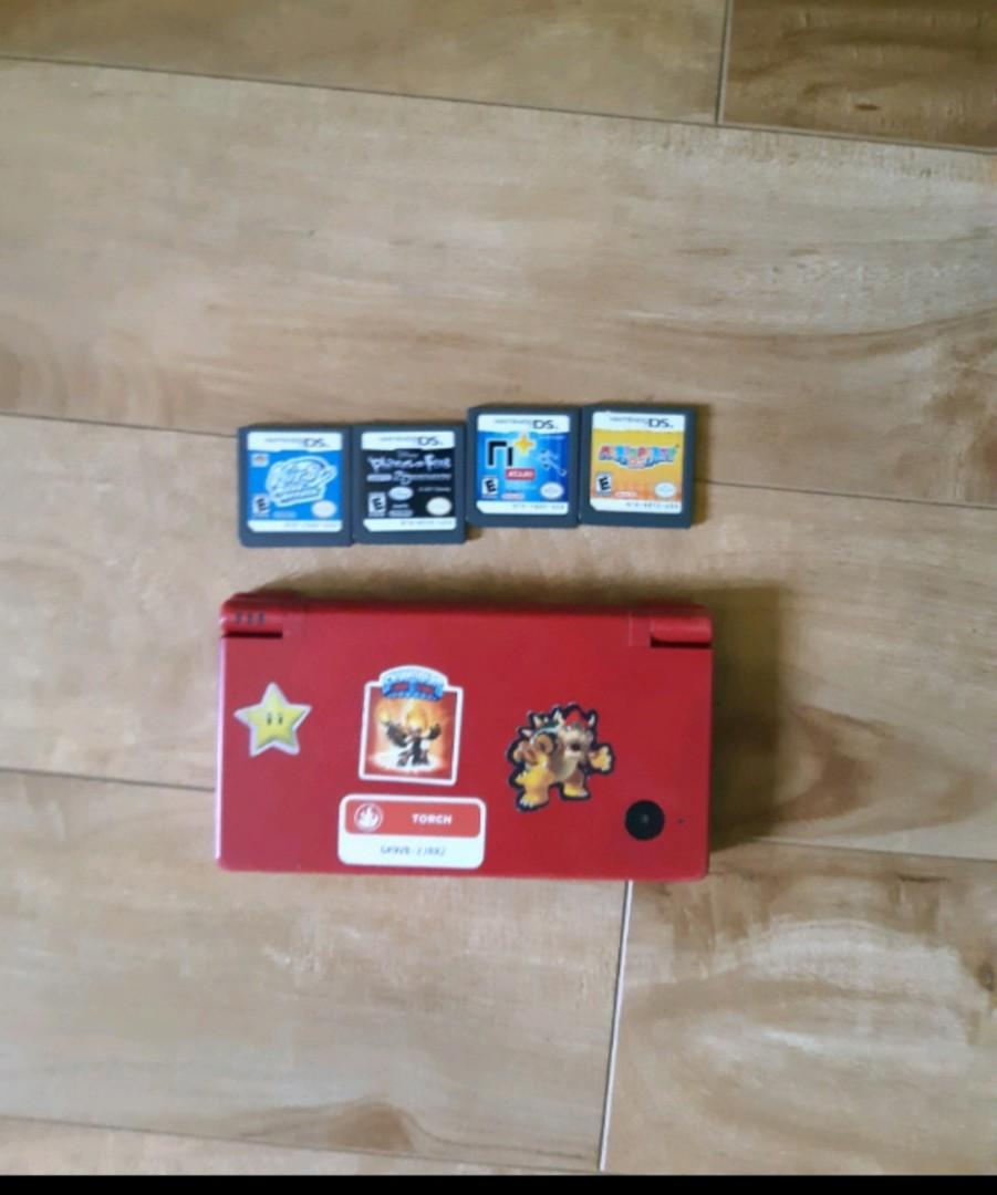 Nintendo dsi with games