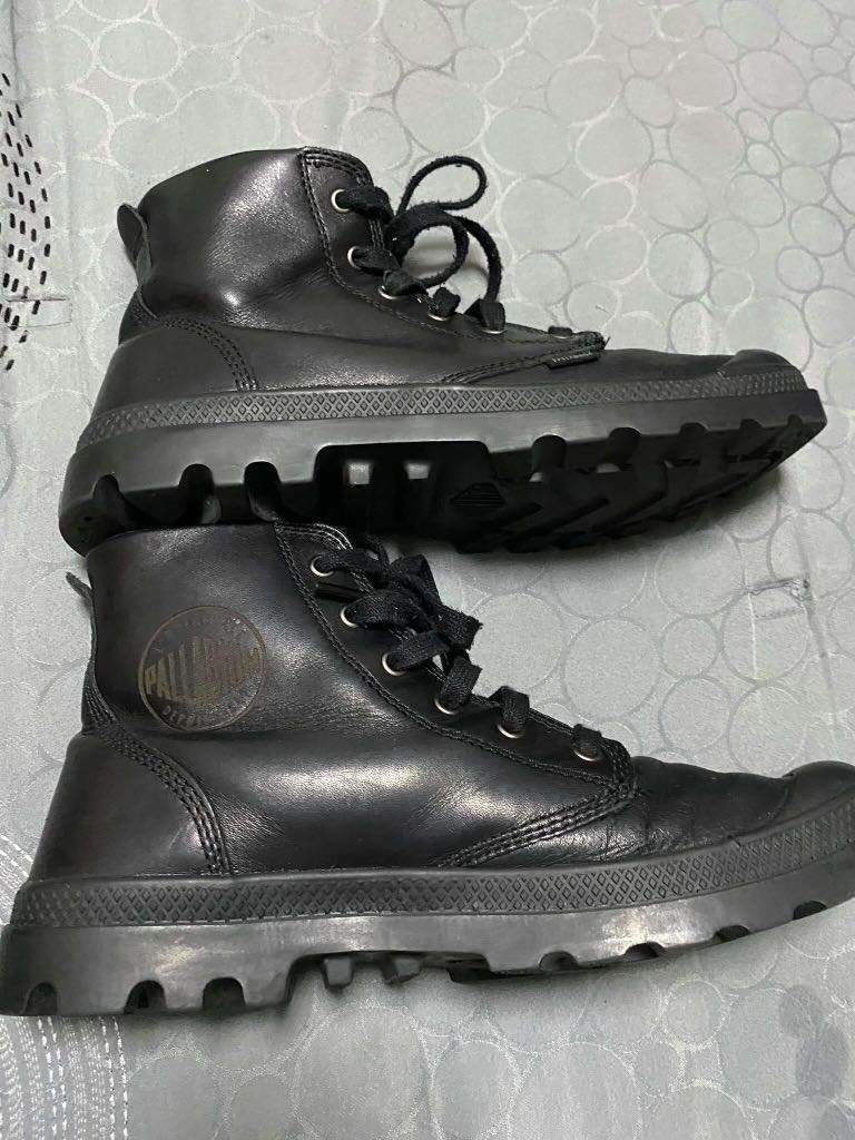 Palladium boots original, Men's Fashion