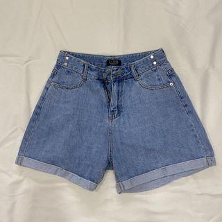 寬版短褲 L