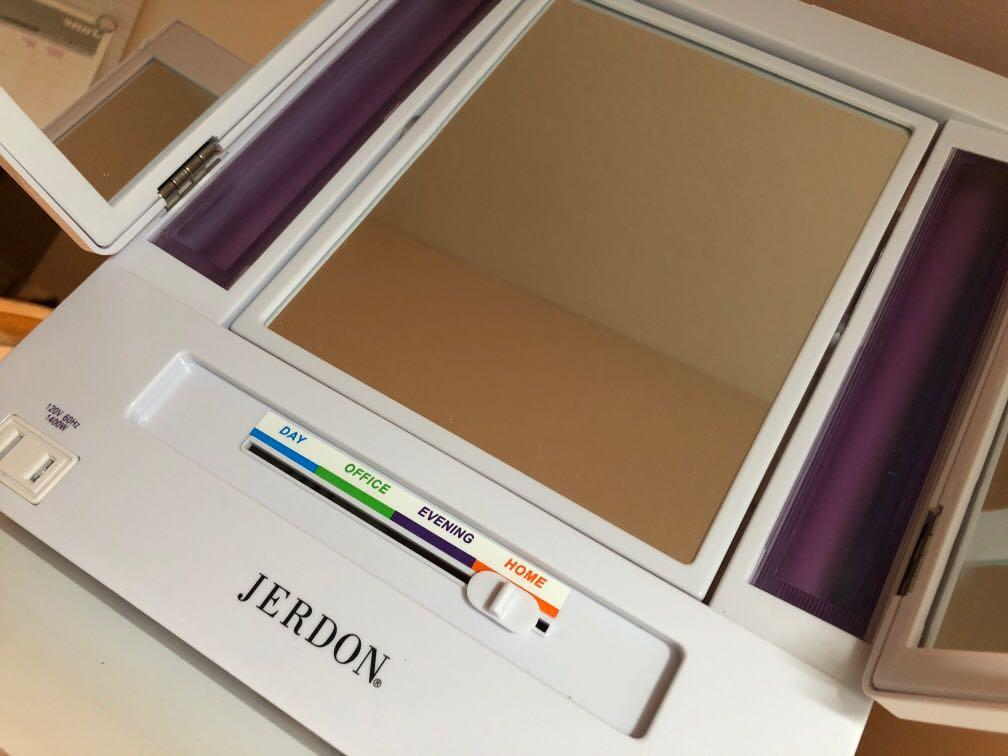 Jerdon light up makeup mirror