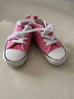 Baby converse pram shoes - size 20
