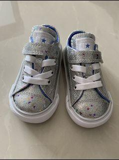Baby converse velcro sneakers 9-12 months