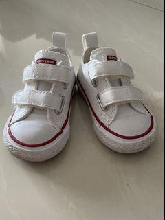 Baby converse velcro sneakers 6-12 months