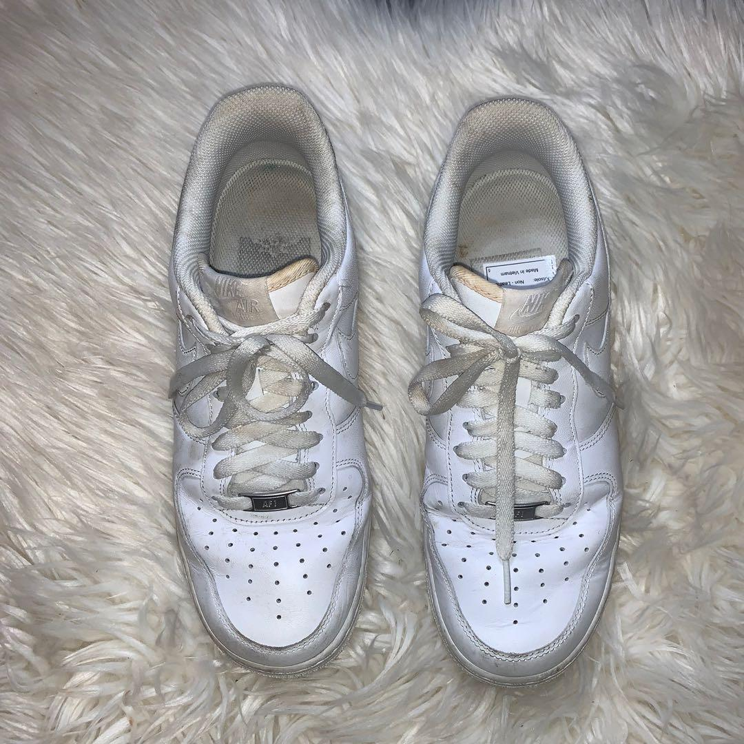 Size 10 white air forces 🌸