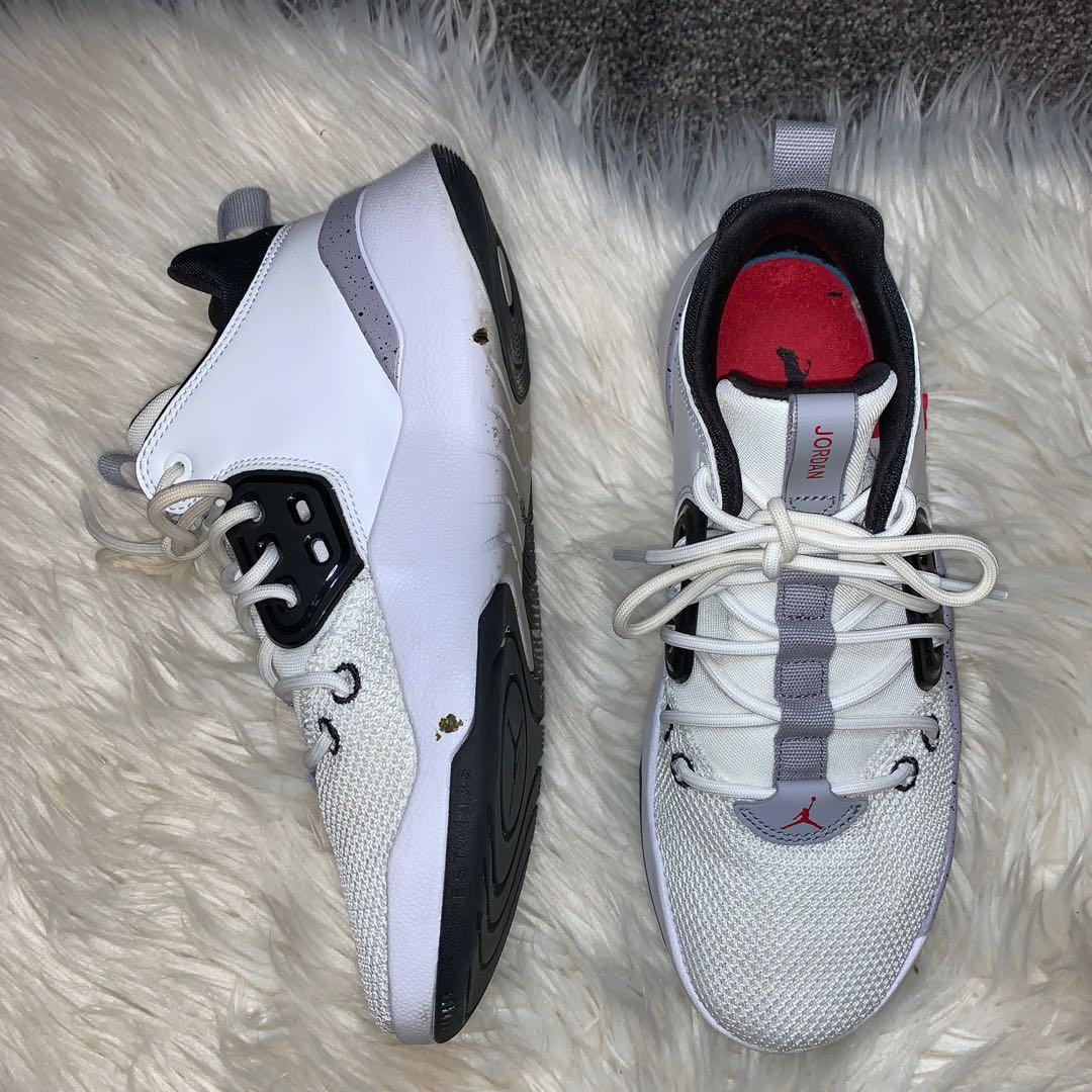 Size 9 Jordan DNA's