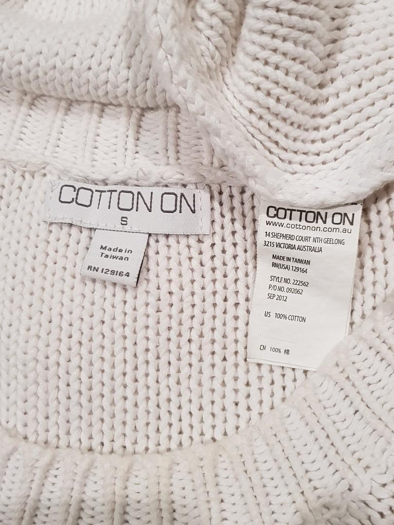 Sz10 warm thick white knit sweater $10
