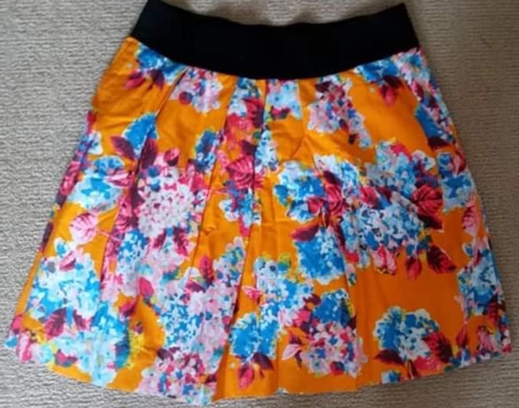 Sz10 ZARA Orange floral skirt $15