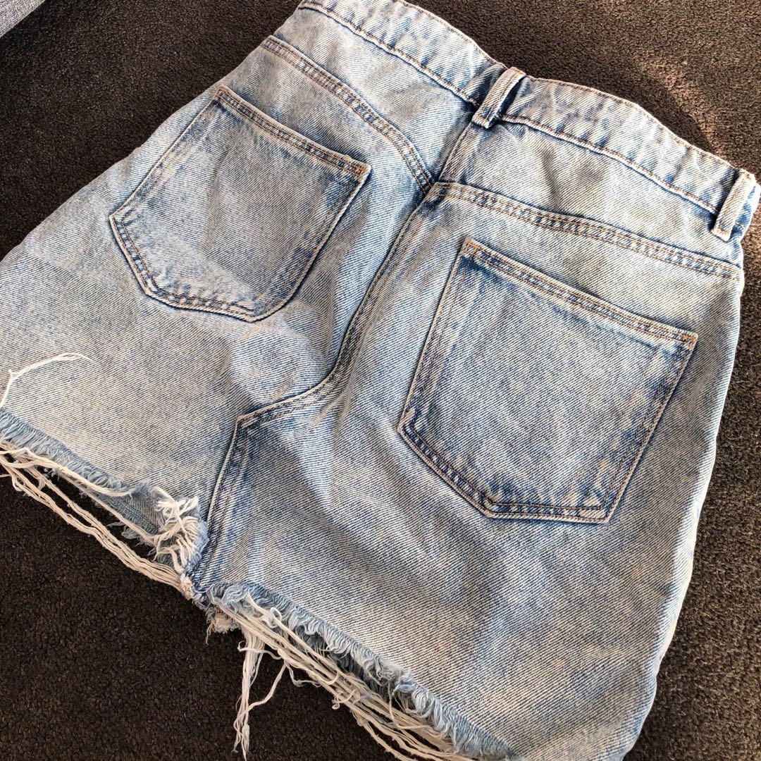 ZARA Denim Skirt / size small