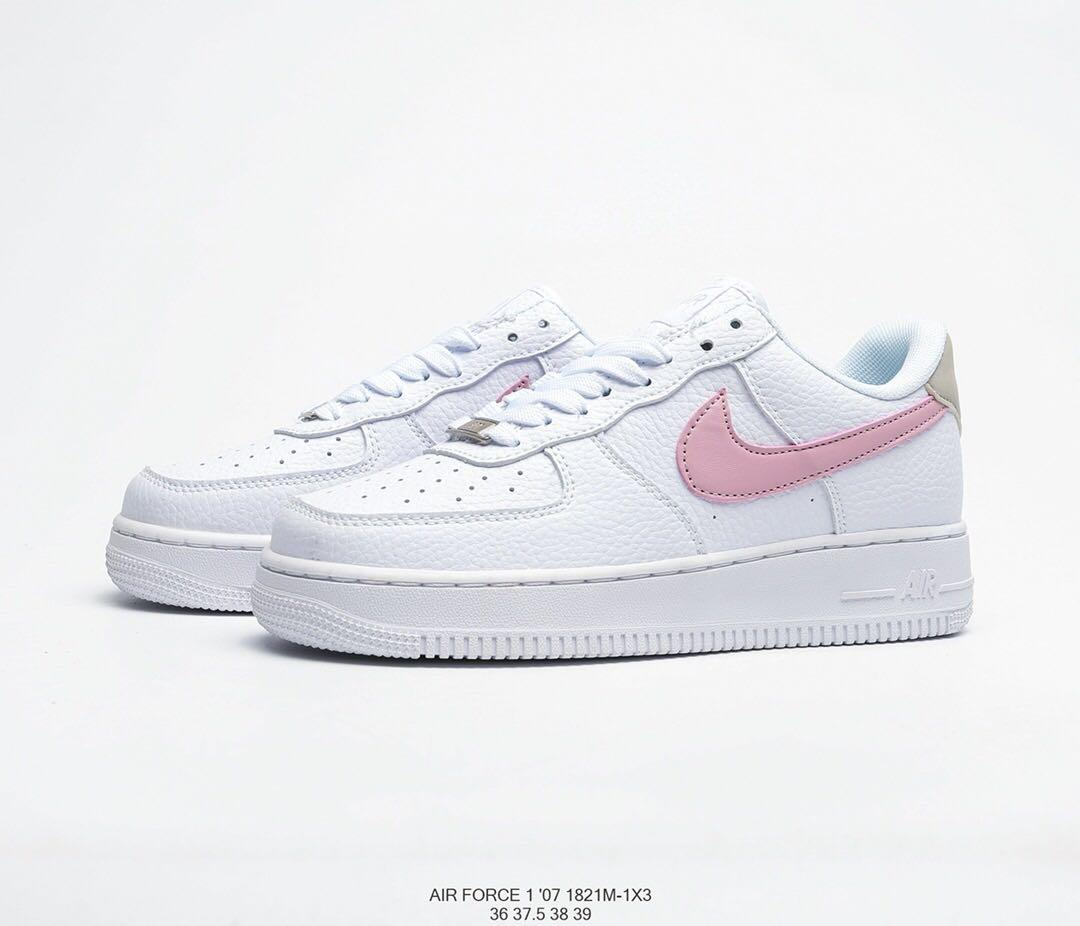 Sociedad 945 Negar  Nike Air Force 1 Light Pink Swoosh Women's Casual Sneakers Shoes, Women's  Fashion, Shoes, Sneakers on Carousell