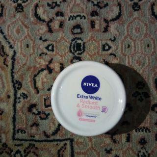NIVEA Extra White Radiant & Smooth Cream 50 ml