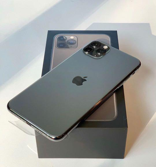 256GB IPHONE 11 pro freedom mobile only !
