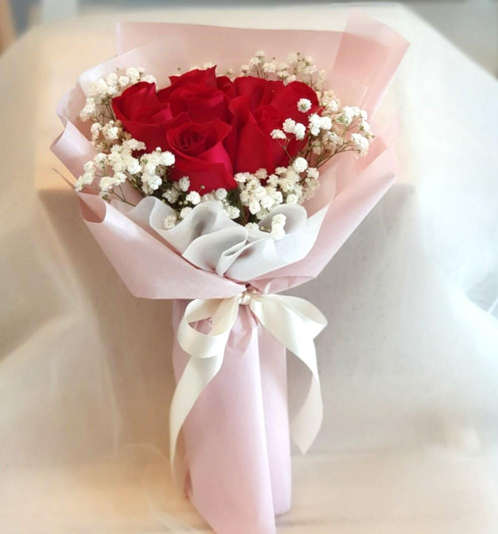 Red Rose And Baby S Breath Bouquet Fresh Flowers Bouquet Birthday Flower Bouquet Gardening Flowers Bouquets On Carousell