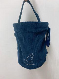 kangol 袋鼠 海軍藍小水桶包