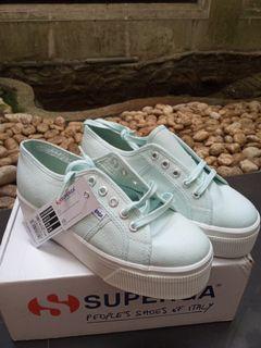 Sepatu Superga