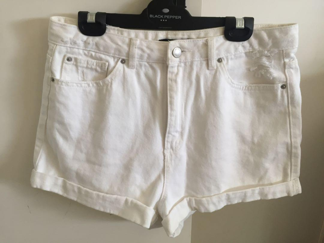 White denim shorts! Size 10