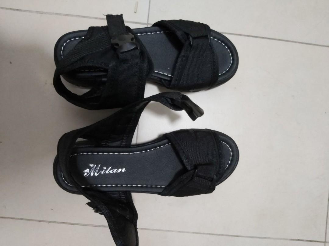 Black platform sandals, Women's Fashion