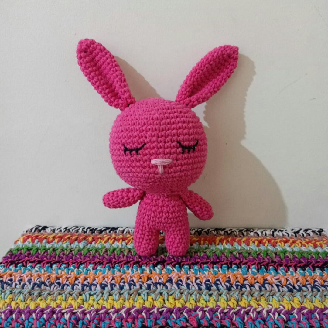 Boneka rajut amigurumi bunny kelinci