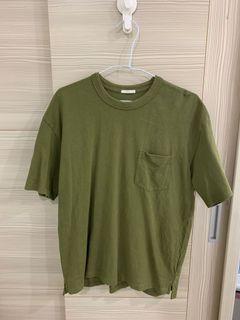 GU 綠色T恤