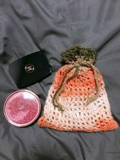 Makeup pouch / kitted pouch bag