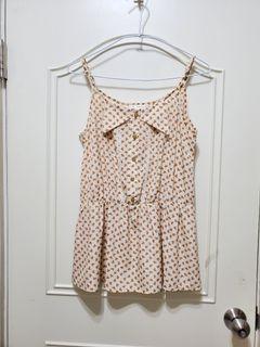 SOGO專櫃 夏日輕軟 細肩帶 碎花上衣 M~L #碎花