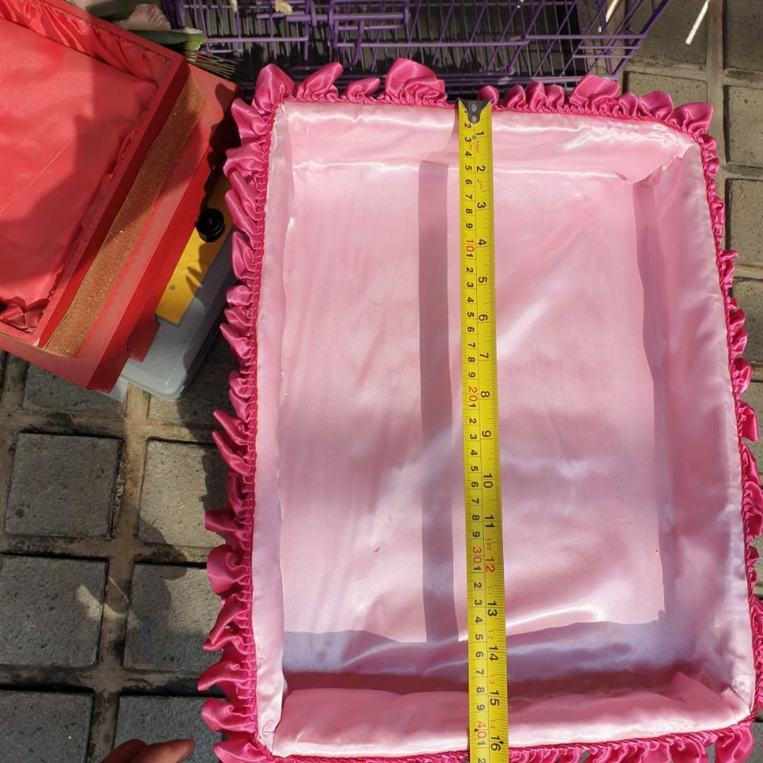Kotak Seserahan Pink rotan ada 4 buah uk 32 x 40 cm