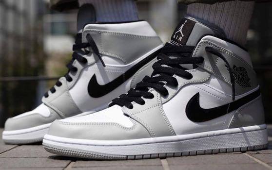 Nike Air Jordan 1 Mid Light Smoke Grey