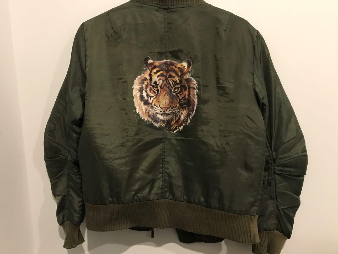 Bomber jacket 🧥