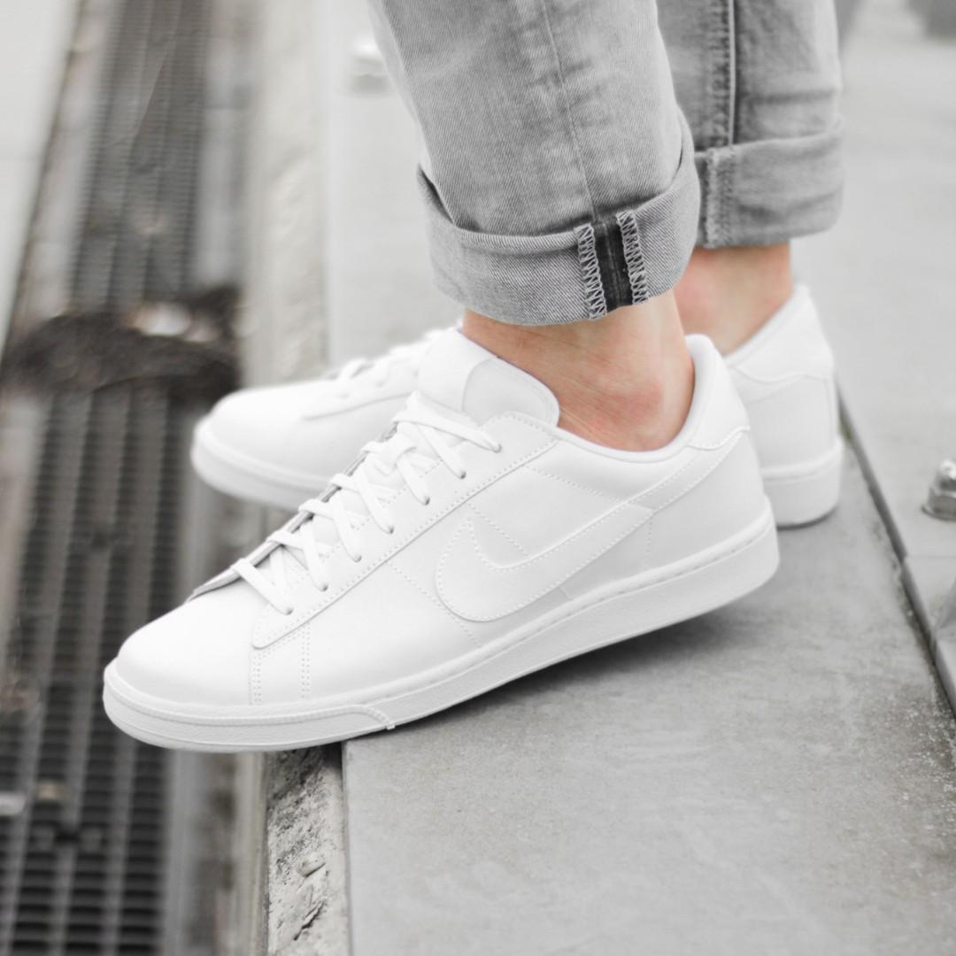 nike women's leather tennis shoes