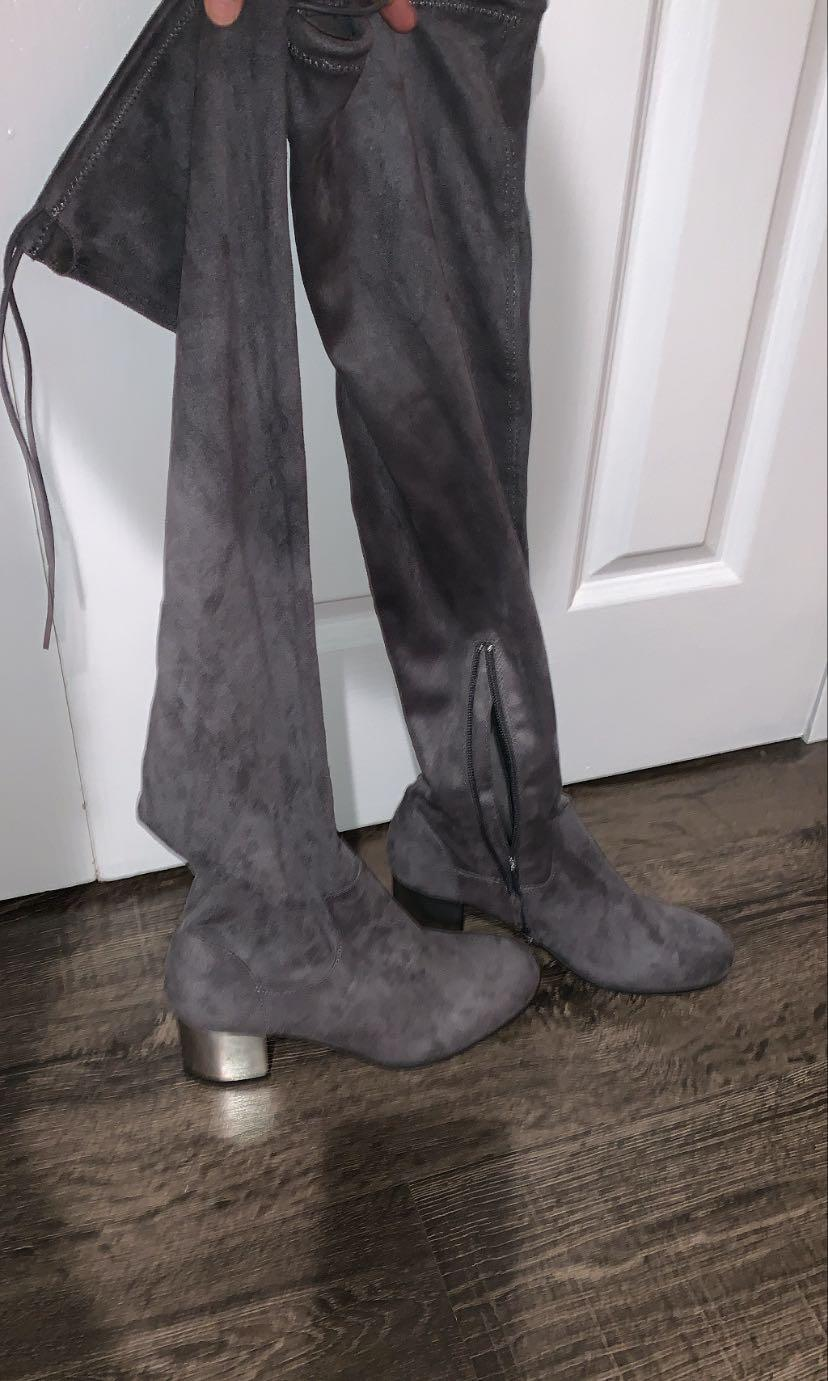 Velvet boots size 7