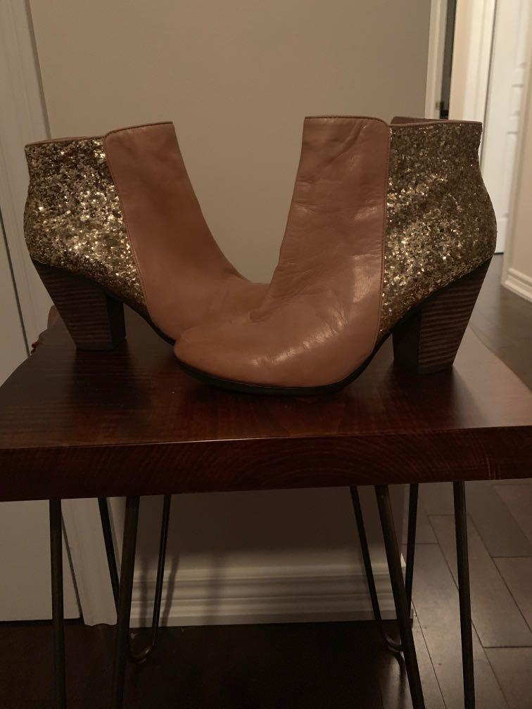 Vince Camuto size 8 brand new