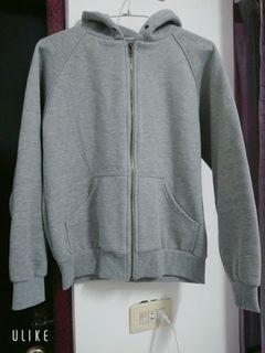 灰色保暖外套