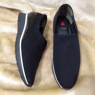 Authentic Hōgl Sneakers