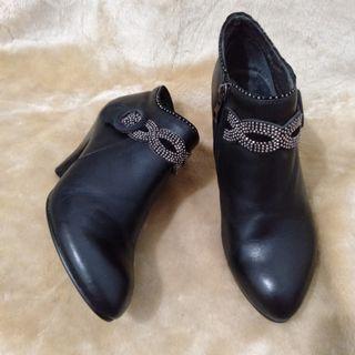 Authentic Vero Cuoio Boots