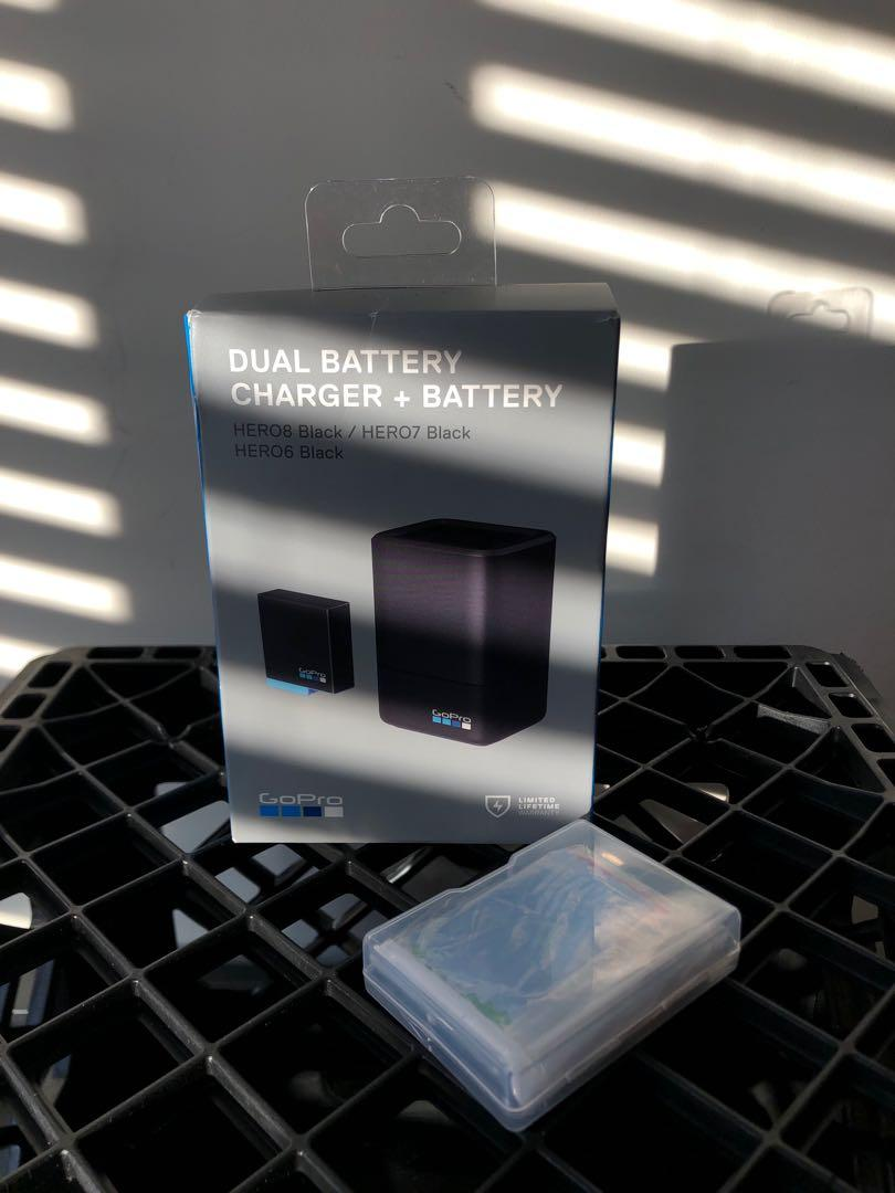 Go Pro Dual Bat Charger & Battery + Glass Screen Covers