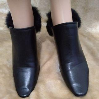 Leather Pumps with Fur Accent