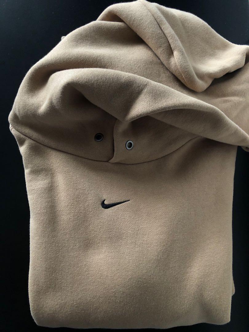 Parcialmente capturar arpón  Nike Center Swoosh Hoodie - Travis Scott Vintage, Men's Fashion, Clothes,  Tops on Carousell