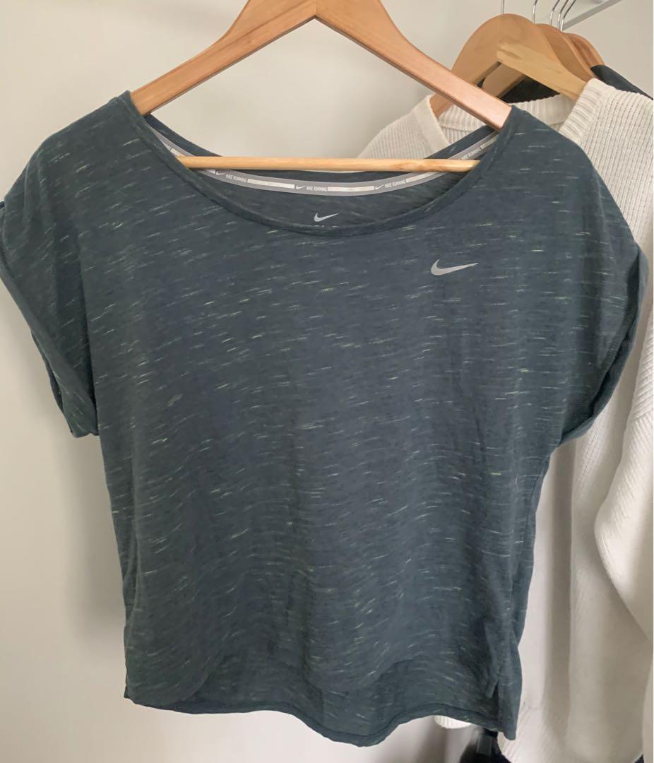 NIKE DRI-FIT Crop T-Shirt