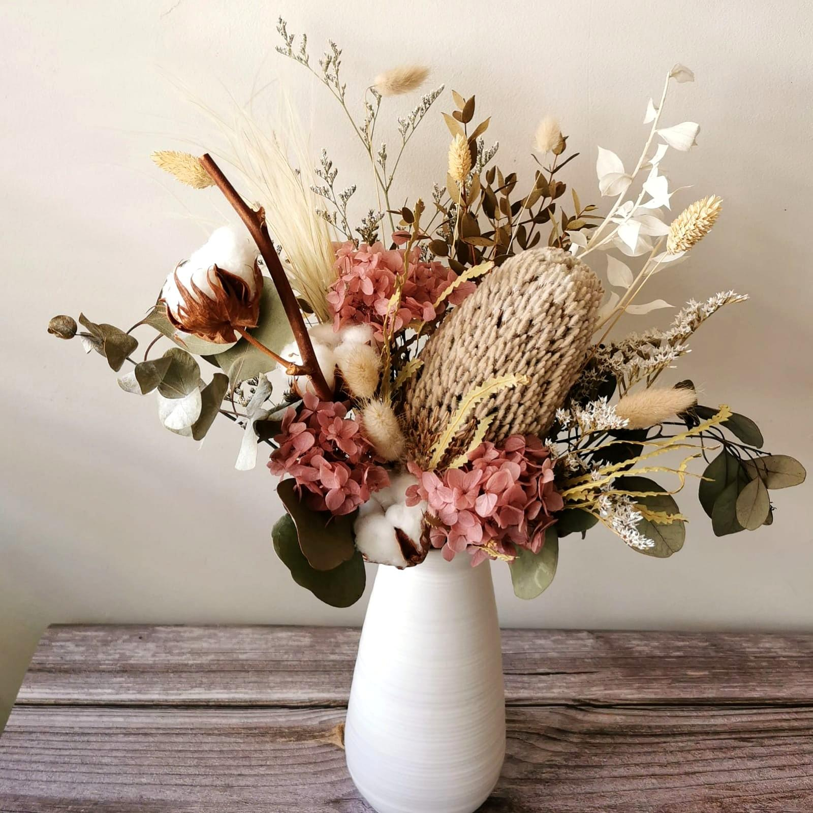 Preserved And Dried Flower Arrangement In Vase With Delivery Gardening Flowers Bouquets On Carousell
