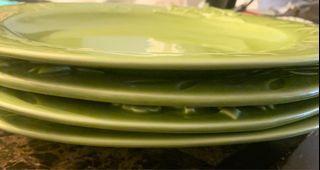 4 ceramic dinner plates