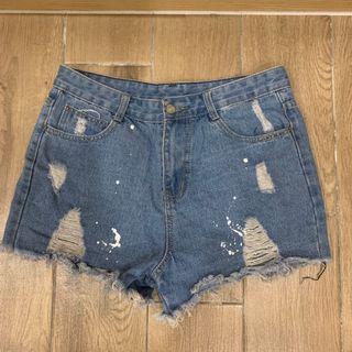 [二手]‼️全賣場🈵️500免運‼️刷破牛仔短褲 潑漆感 單寧短褲 M Shorts  #HBB