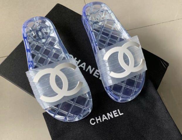 Brand new Chanel transparent jelly slides size 7