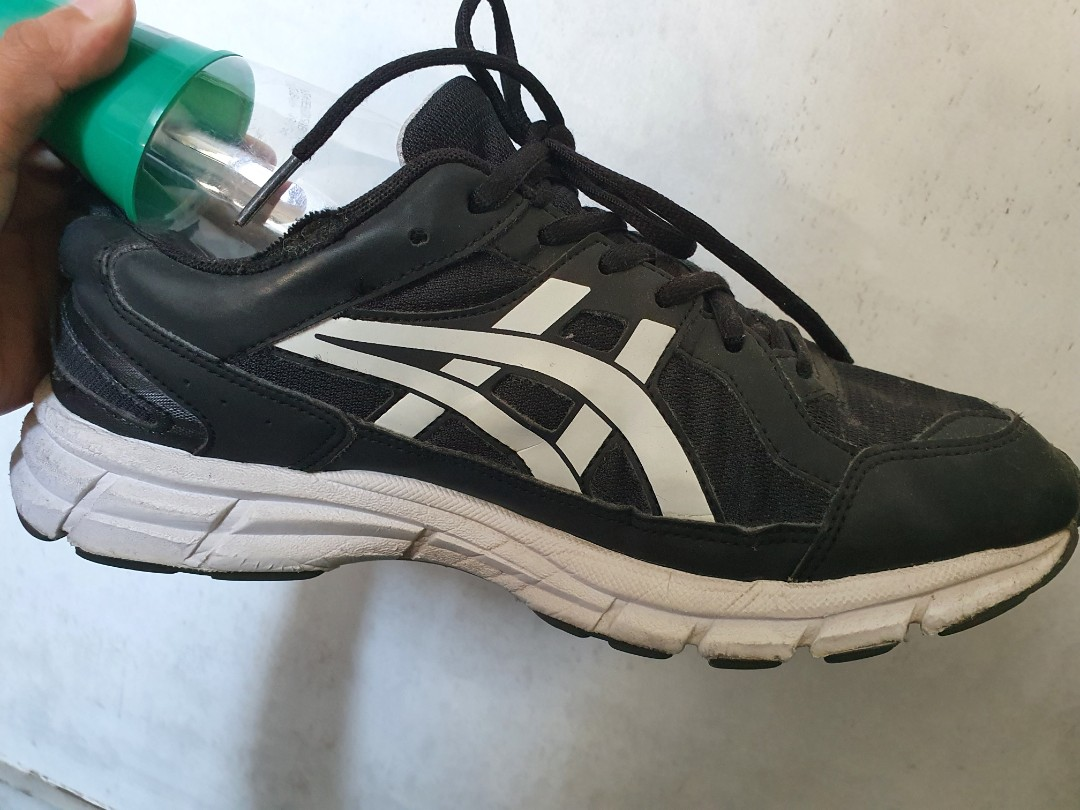 FOR SALE ASICS RUNNING SHOES ORIGINAL
